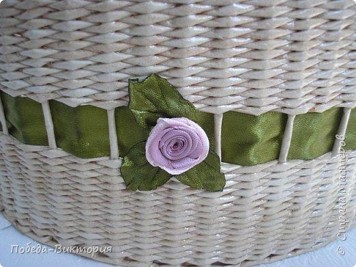 Всем работающим и отдыхающим большой привет!  Сегодня в моем посте две шкатулки - круглой и овальной формы. И розы, много роз, выполнены ленточками!  фото 8