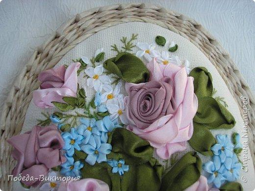 Всем работающим и отдыхающим большой привет!  Сегодня в моем посте две шкатулки - круглой и овальной формы. И розы, много роз, выполнены ленточками!  фото 11