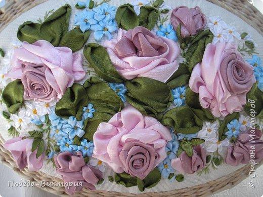 Всем работающим и отдыхающим большой привет!  Сегодня в моем посте две шкатулки - круглой и овальной формы. И розы, много роз, выполнены ленточками!  фото 9