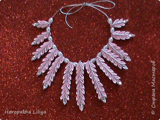 Ожерелье из двухцветных острых лепестков канзаши для наших модниц
