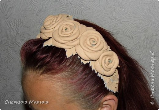 ободок из кожаных роз фото 3