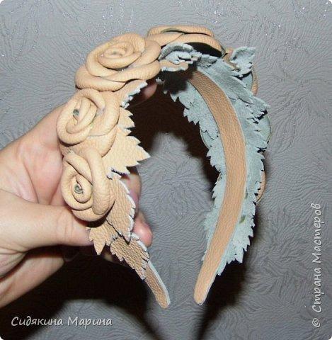 ободок из кожаных роз фото 1
