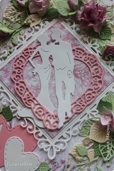 Всем здравствуйте! Здравствуйте и процветайте! Сегодня годовщина свадьбы дочери. И вчера я сделала такую открытку для моих любимых деток. Дела с удовольствием, очень соскучившись по скрапу. Хотелось сделать в желто-золотых тонах (у Саши было платье с тонкой золотой отделкой). Сделала и стала искать стихотворение и выясняется, что свадьба-то Медная!!! а у меня все розовое. Отошла я от дел, все позабыла, а ведь раньше то я все юбилейные свадьбы помнила. Позор моей седой голове. фото 14