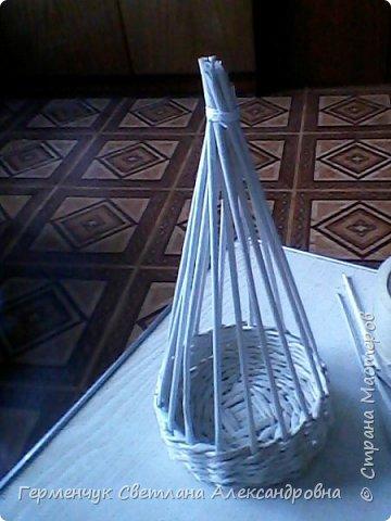 Такая  салфетница  будет не только украшением стола , но и хорошей игрушкой для детей ,потому что можно с ней играть , а также  внизу  юбочки можно  спрятать  маленькие   сувениры. Увидела такую девушку   у автора   и замечательной  мастерицы Елены  Пузановой фото 8