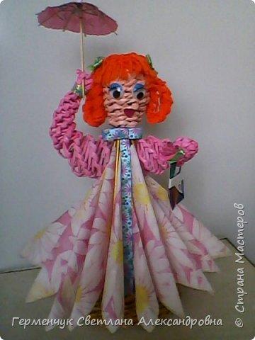 Такая  салфетница  будет не только украшением стола , но и хорошей игрушкой для детей ,потому что можно с ней играть , а также  внизу  юбочки можно  спрятать  маленькие   сувениры. Увидела такую девушку   у автора   и замечательной  мастерицы Елены  Пузановой фото 33
