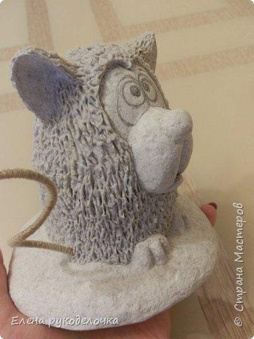 Сегодня я вам предлагаю сделать сувенир к Новому году, вот такую милую собачку - держатель для записок. фото 10