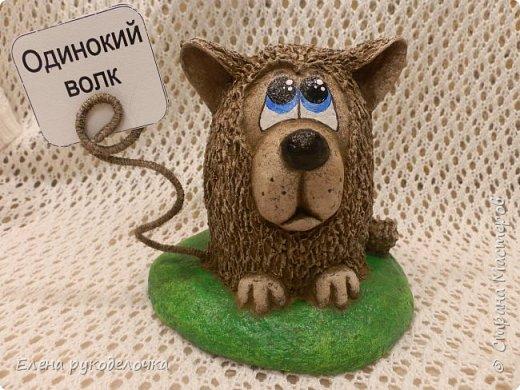 Сегодня я вам предлагаю сделать сувенир к Новому году, вот такую милую собачку - держатель для записок. фото 14