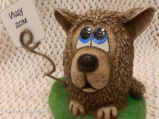 Сегодня я вам предлагаю сделать сувенир к Новому году, вот такую милую собачку - держатель для записок. фото 16