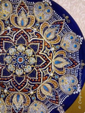 Тарелка в технике точечная роспись № 2 фото 3