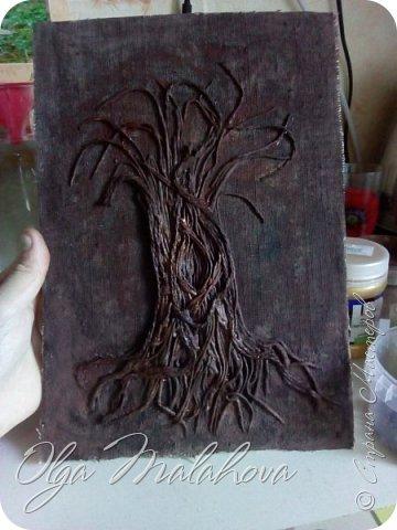 Всем привет! представляю свою новую работу, денежное дерево.Хочу подарить ее на свадьбу.  Немного расскажу , как делала.В основе ствола дерева -салфетки 3х и 2х слойные,и нитки шпагат.и клей ПВА. фото 7