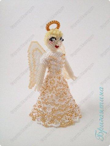 Новая куколка, ангел, сложно передать фотографией блеск стеклянных бусин. фото 2