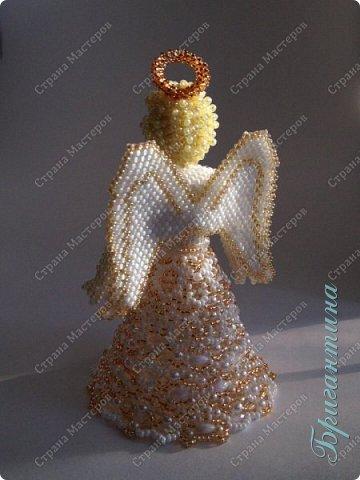 Новая куколка, ангел, сложно передать фотографией блеск стеклянных бусин. фото 1