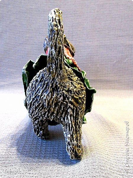 Здравствуйте мои дорогие, мои любимые соседи по Стране!  Новый год - год собаки не за горами и многие в Стране мастеров уже создают своих пёсиков. Несколько лет я поглядывала на такс из картонных рулончиков, а некоторые мастерицы из СМ не просто поглядывали, а взяли и сотворили подобных такс. Моими вдохновителями стали elena-nik со своим Патриком  http://stranamasterov.ru/node/1090400?c=favorite  ,   Светлана ШиШиКиНа с  Люсиндой  http://stranamasterov.ru/node/856761?c=favorite  ,   Елена рукоделочка с Таксочкой  http://stranamasterov.ru/node/1100765?c=favorite  . фото 5