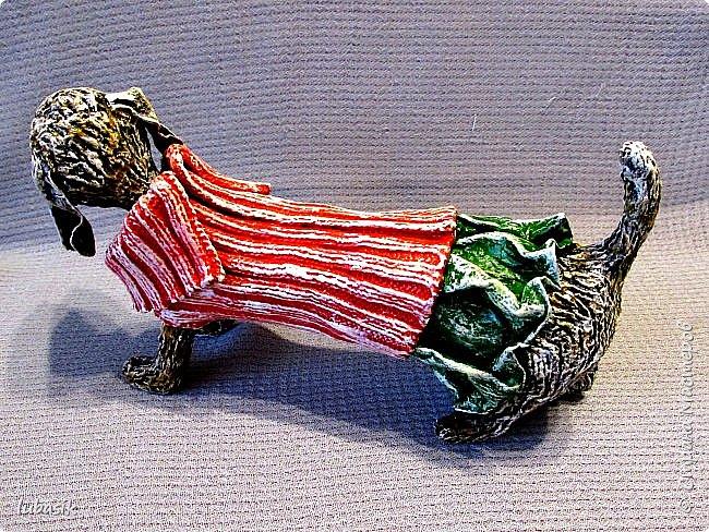 Здравствуйте мои дорогие, мои любимые соседи по Стране!  Новый год - год собаки не за горами и многие в Стране мастеров уже создают своих пёсиков. Несколько лет я поглядывала на такс из картонных рулончиков, а некоторые мастерицы из СМ не просто поглядывали, а взяли и сотворили подобных такс. Моими вдохновителями стали elena-nik со своим Патриком  http://stranamasterov.ru/node/1090400?c=favorite  ,   Светлана ШиШиКиНа с  Люсиндой  http://stranamasterov.ru/node/856761?c=favorite  ,   Елена рукоделочка с Таксочкой  http://stranamasterov.ru/node/1100765?c=favorite  . фото 2