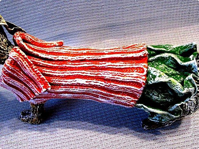 Здравствуйте мои дорогие, мои любимые соседи по Стране!  Новый год - год собаки не за горами и многие в Стране мастеров уже создают своих пёсиков. Несколько лет я поглядывала на такс из картонных рулончиков, а некоторые мастерицы из СМ не просто поглядывали, а взяли и сотворили подобных такс. Моими вдохновителями стали elena-nik со своим Патриком  http://stranamasterov.ru/node/1090400?c=favorite  ,   Светлана ШиШиКиНа с  Люсиндой  http://stranamasterov.ru/node/856761?c=favorite  ,   Елена рукоделочка с Таксочкой  http://stranamasterov.ru/node/1100765?c=favorite  . фото 3