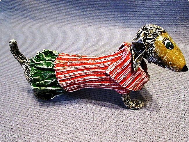 Здравствуйте мои дорогие, мои любимые соседи по Стране!  Новый год - год собаки не за горами и многие в Стране мастеров уже создают своих пёсиков. Несколько лет я поглядывала на такс из картонных рулончиков, а некоторые мастерицы из СМ не просто поглядывали, а взяли и сотворили подобных такс. Моими вдохновителями стали elena-nik со своим Патриком  http://stranamasterov.ru/node/1090400?c=favorite  ,   Светлана ШиШиКиНа с  Люсиндой  http://stranamasterov.ru/node/856761?c=favorite  ,   Елена рукоделочка с Таксочкой  http://stranamasterov.ru/node/1100765?c=favorite  . фото 1