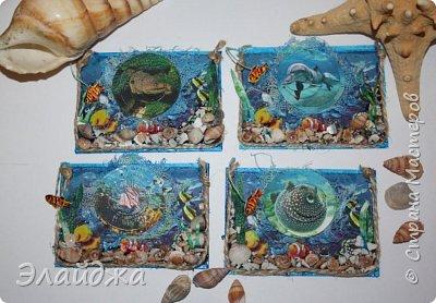 Привет всем моим друзьям и гостям странички. Лето ,жара..... желание поплавать на море, вообщем у меня с утра такое морское  настроение. Увидев картинки с 3D-эффектом, я решила попробовать сделать такую серию карточек.  Спасибо ИРИСКА 2012 и ее доченьке Людочке  они живут  в СМ здесь (http://stranamasterov.ru/user/191152) за то что прислали мне ракушек с побережья Черного моря, а точнее с Одессы. Я решила  их использовать, для актуализации дна морского. фото 1