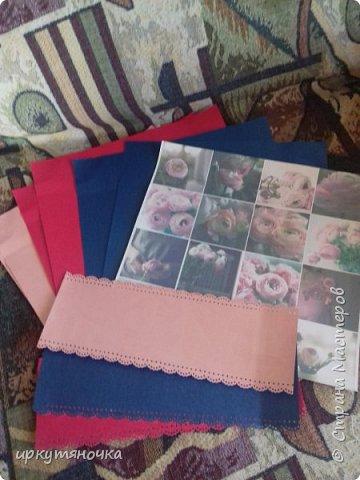 Вот такими подарочками меня порадовала Галина http://stranamasterov.ru/user/384468. В такой маленькой коробочке, а столько всего!!! От подарочков я в полном Восторге! Приготовьтесь фото будет много... фото 9