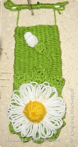 """Мои мини гобелены сотканы вручную и украшены цветами, связанными крючком. Мандала с кисточкой и вверху """"Глаз Бога"""" фото 4"""