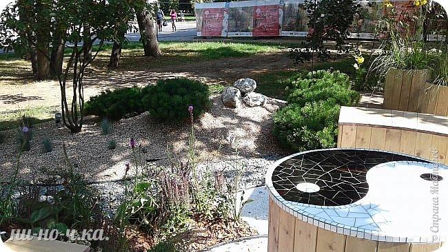 """Всем добрый день!!!  Сегодня я вам предлагаю прогуляться по ВВЦ. Я была на выставке """" Сады и люди"""". Он находится около павильона №75. Территория не очень большая, но очень много красиво созданных уголков... В корзине маленькие поросята, или кабанята))) фото 34"""