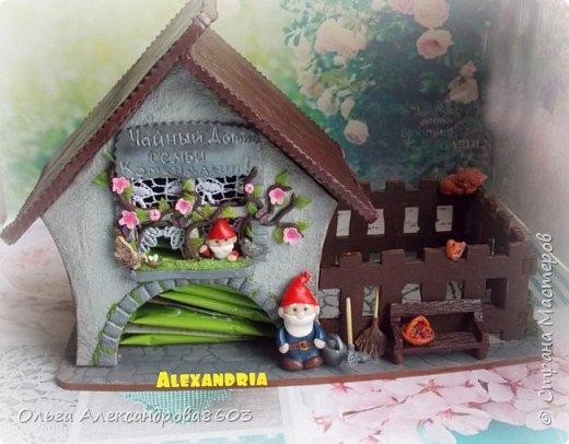 Чайный домик с гномиками!!!! Декорировала заготовку полимерной глиной!!! фото 5