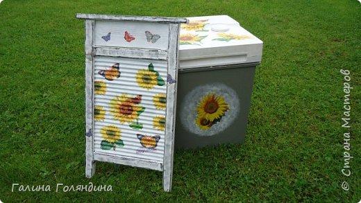 Стиральная машинка ( не рабочая ) под корзину для белья в баньку . фото 1