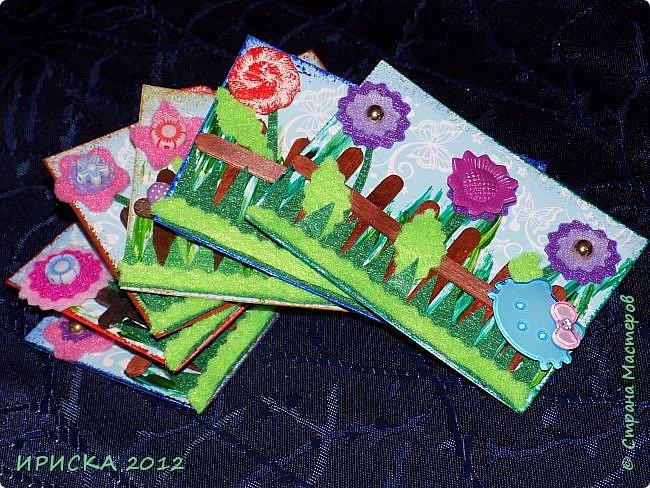 Привет всем гостям моей странички!!! Несколько серий АТС лежат и ждут вдохновения, а эта серия родилась спонтанно. Увидела в магазине открытку с заборчиком и цветами, конечно, там все было из бумаги, а мне захотелось сделать деревянный забор и ярких цветов. Первыми к выбору приглашаю Элайджу и Олечку -  p_olya71, надеюсь что-то понравится :))) фото 17