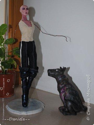 До чего же она противная, но... у нее такой классный костюм! Я не удержалась и сделала её:)  36 см с подставкой.  фото 27