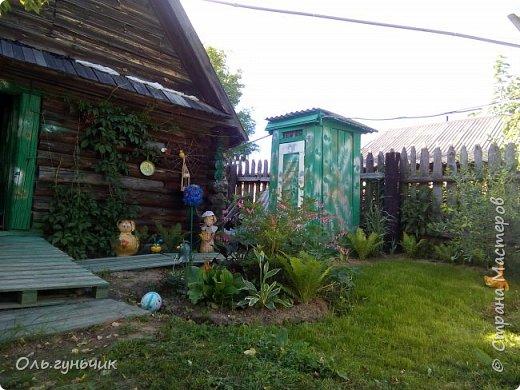 Всем здравствуйте!!! Давненько меня не было...Все лето мы жили на нашей любимой даче. Которую и хочу вам сейчас показать))) Что успели сделать, что еще может быть успеем сделать... Фотографии прошлогодней дачи у меня тут:  http://stranamasterov.ru/node/1050293 Кому интересно загляните))) Итак, это фото нашего палисадника и крылечка, и через который мы попадаем в дом, а потом и в сад... фото 38