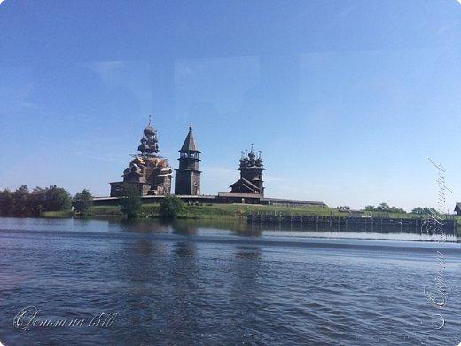 В этом году исполнилась ещё одна моя мечта. Я побывала в Карелии. Петрозаводск встретил проливным дождём. Но тучка пролетела и выглянуло солнышко, которое не покидало небо всё время, пока мы путешествовали по Карелии.  Это вокзал в Петрозаводске.  фото 41