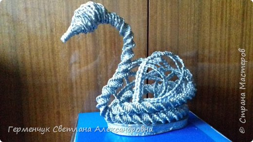 Лебедь -сувенир,упаковка для подарка ,украшение интерьера так можно назвать это изделие .  Размер- высота 29 см ,длина 33 см Увидела идею в Интернете фото 8