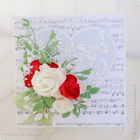 Здравствуйте!!!! Продолжаю свадебную тему. Ещё вариант сердечно-красно-белого. В этом году немало невест, выбравших такие букеты  фото 2