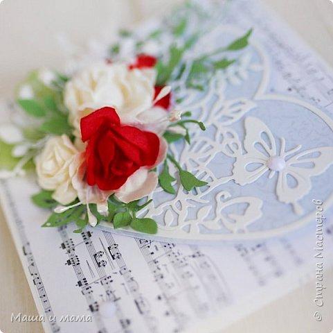 Здравствуйте!!!! Продолжаю свадебную тему. Ещё вариант сердечно-красно-белого. В этом году немало невест, выбравших такие букеты  фото 3