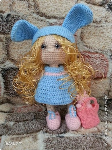 Интерьерная вязанная кукла фото 3