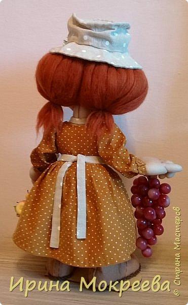 Здравствуйте жители страны выношу на ваш суд новую куклу - огородницу . Попросили сделать куклу для выставки даров садов и огородов. фото 5