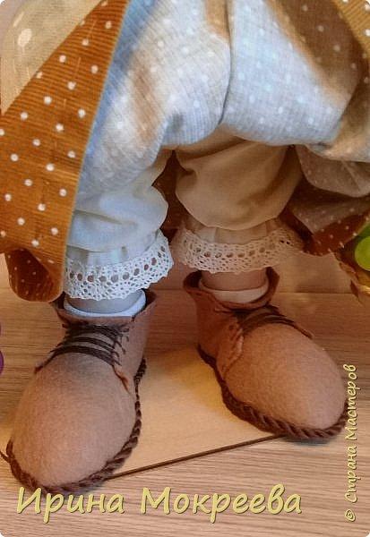 Здравствуйте жители страны выношу на ваш суд новую куклу - огородницу . Попросили сделать куклу для выставки даров садов и огородов. фото 3