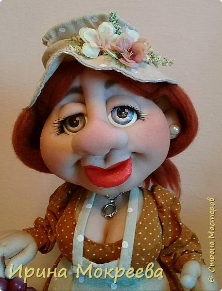 Здравствуйте жители страны выношу на ваш суд новую куклу - огородницу . Попросили сделать куклу для выставки даров садов и огородов. фото 4