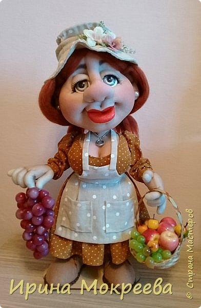 Здравствуйте жители страны выношу на ваш суд новую куклу - огородницу . Попросили сделать куклу для выставки даров садов и огородов. фото 1