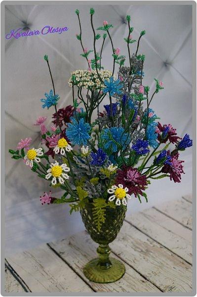 Приветствую всех заглянувших! Хочу вам похвастаться свеже сплетенным букетом полевых цветов. В нём: травяная гвоздика, незабудка, василёк, колокольчик, цикорий, тысячелистник, полынь. ВОТ!)) Трудилась 2 недели... фото 3