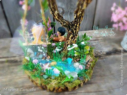 Добрый день жители страны!  Хотела бы показать деревце с небольшой историей любви)))) Крона сделана из атласных роз и декоративной зелени , ствол и полянка из гипса. фото 10