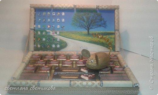 Ноутбук из конфет и шоколадок. фото 1