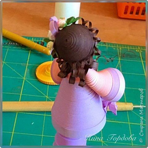 Как-то раз моя сестра прислала мне несколько фото куколок Любови Грасмик - великолепные работы! А сестра собираетколлекцию миникукол из разных материалов.. меня захватила эта идея! Хочется попробовать свои силы))) Вчера приступила! Это пробная куколка,  фото 2