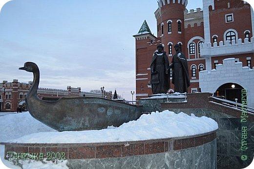 Всем доброго дня! Мои друзья в СМ знают, что мы очень любим путешествовать. Вот и на зимние каникулы родители подарили нам путешествие в сказку. Мы провели новогодние каникулы в Казани и Йошкар-Оле. Я немножко расскажу вам об этих замечательных городах. фото 24