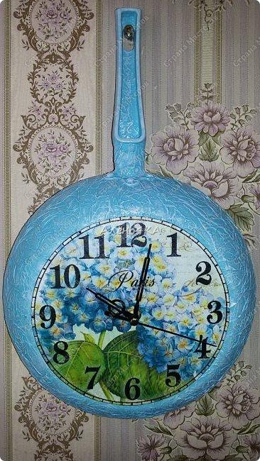 Такая сковородочка-часы получилась в голубых тонах (любимый цвет одариваемой) фото 2