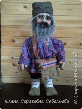 Старец был замечен у моих ворот))) Приоделся тёпленько, видать к осени. фото 3
