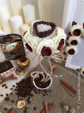 Эти подсвечники я сделала пару лет назад. Свечки ароматизированы и пахнут шоколадом, а кофе в горшочке дополняет своим ароматом. Запааах!!  фото 1