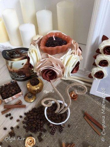 Эти подсвечники я сделала пару лет назад. Свечки ароматизированы и пахнут шоколадом, а кофе в горшочке дополняет своим ароматом. Запааах!!  фото 2