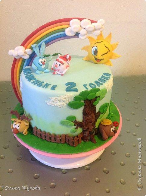 """Всем привет! Хочу показать детский тортик """"Смешарики""""! Цветов тут нет, но мне очень интересно было делать эту работу) я получила огромное удовольствие! Ведь этот тортик для моей младшей доченьки! фото 1"""