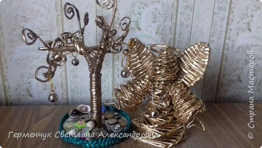 Ангел  Рождества Высота 12-13 см .Плетение спиральное .Плела без пирамидальной формы . Конечно до    Рождества еще далеко ,поэтому это   проба- дебют фото 20
