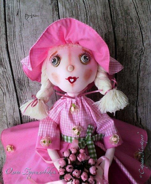 """Привет всем в СМ!!! Кукломания - болезнь! Болезнь творческая!!! И я счастлива, что болею этой болезнью!!! Моя новая куколка Розочка! Я и шила ее как куклу-цветок для конкурса в Инстаграм """"Куколка-цветочек"""", ну и имя у нее, конечно, Розочка! Именно Розочка, а не просто Роза. фото 1"""